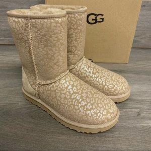 UGG   Classic Short Snow Leopard Boots Amphora 10